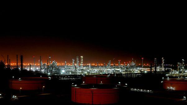 افزایش غیرمنتظره قیمت جهانی نفت و پیشبینی کاهش شدید تولید ایران