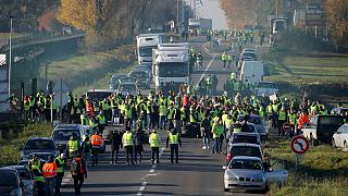 تصویری از مسدود شدن جادهای در نزدیکی پاریس