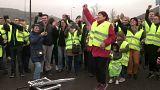 Los 'chalecos amarillos' bloquean el acceso a las grandes ciudades francesas