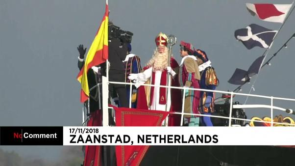 شاهد: احتجاجات في هولندا بسبب بابا نويل