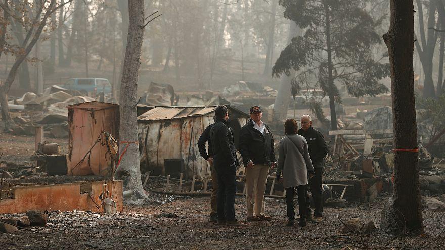 ترامب يصل إلى كاليفورنيا والسلطات تتابع مهمة البحث عن ألف مفقود