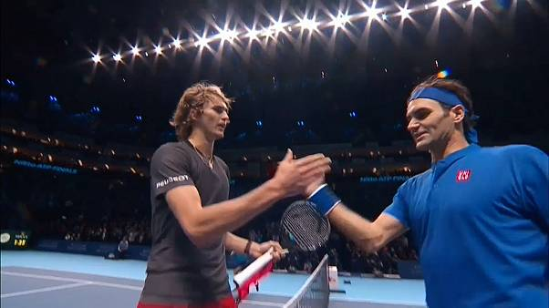 كرة المضرب: الألماني زفيريف يطيح بفيدرر في نصف نهائي بطولة الماسترز اللندنية