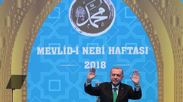 Erdoğan: Çocuklarımızı ülkemizde okutamamanın hüznünü yaşadık