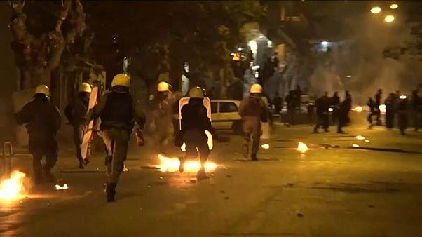Anarchisten gegen Polizisten