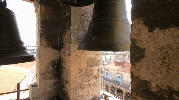 Suenan las campanas de la catedral de la Habana tras décadas de silencio