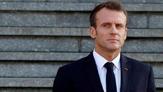 شعبية الرئيس الفرنسي تهوي مع استمرار الاحتجاج على الضرائب وغلاء الوقود
