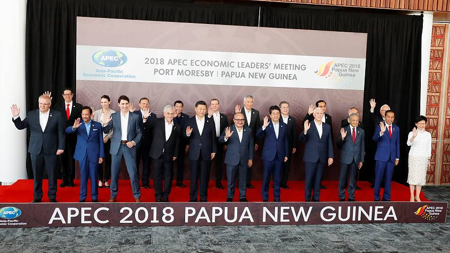 Papua Yeni Gine'de düzenlenen APEC Zirvesinde liderler fotoğraf çektirdi