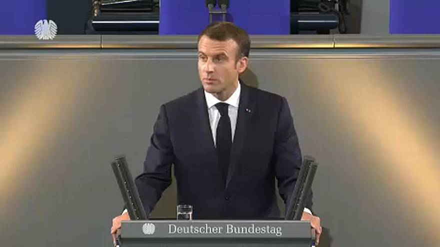"""Macron : """"L'Europe doit être plus forte"""""""