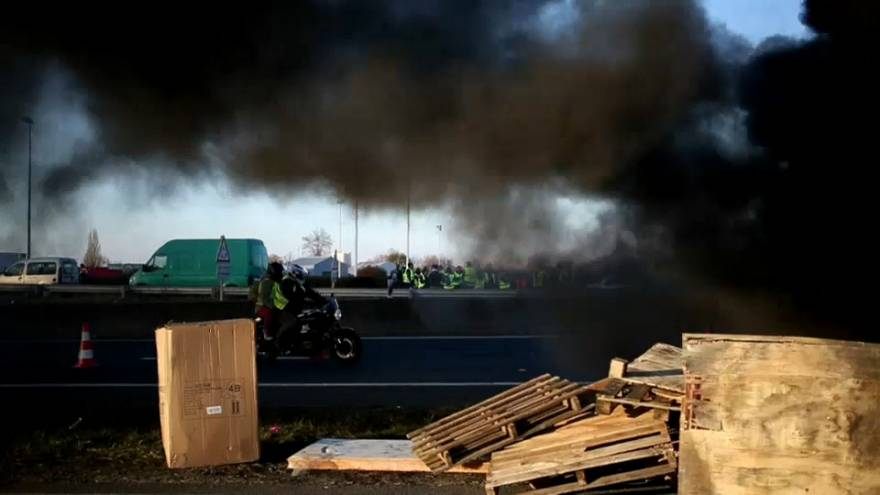 French prime minister say protests won't force u-turn on fuel price rises