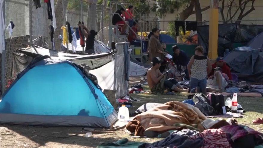 شاهد: المكسيك تفتح أبواب مجمع رياضي للمهاجرين بعد ملئ ملاجئ أخرى