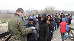 Bosnia-Croazia: si sfida il freddo pur di entrare nell'Ue