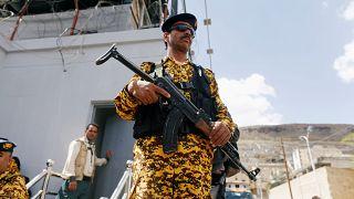 عودة الاشتباكات في الحديدة اليمنية رغم قول الحوثيين إنهم مستعدون لهدنة