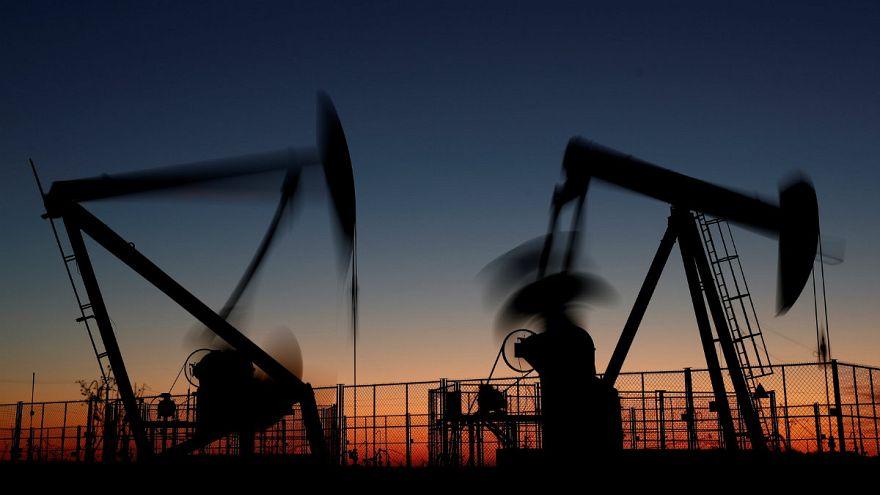 افزایش یک درصدی قیمت نفت؛ بازار جهانی در انتظار تصمیم اوپک برای کاهش تولید