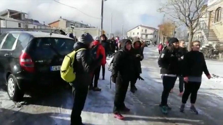 La marcia delle donne per la ricostruzione