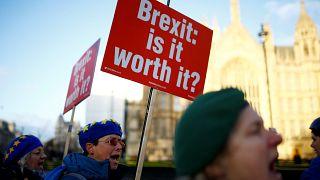 Brexit: Ικανοποιητικές απαντήσεις για το μέλλον τους ζητούν οι πολίτες