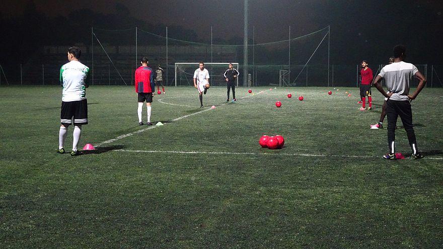 Sant'Ambroeus, la squadra di migranti che combatte il razzismo sul campo da calcio