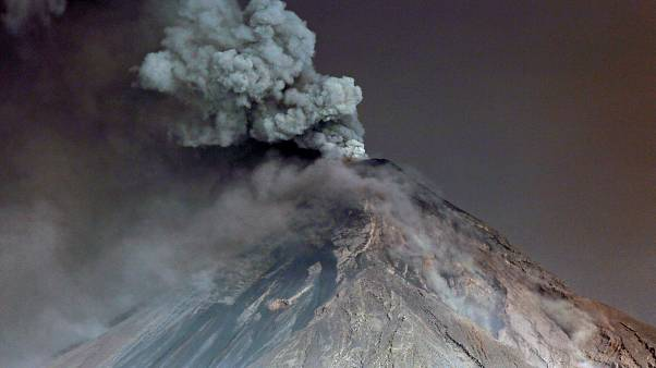 Guatemala issues red alert as Volcan de Fuego awakens