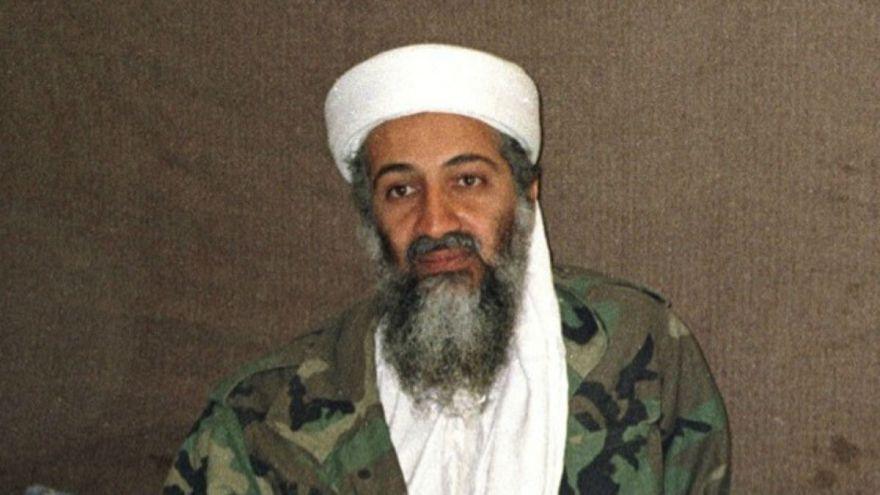 اسامه بنلادن، رهبر حزب القاعده که در سال ۲۰۱۱ کشته شد