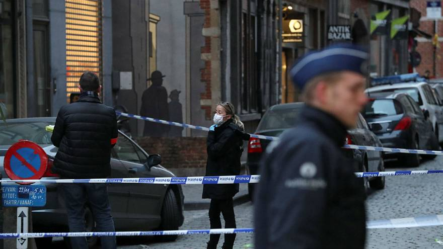 Police officer stabbed in central Brussels