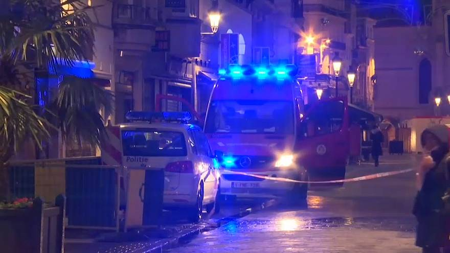 Брюссель: неизвестный с ножом напал на полицейского - МВД