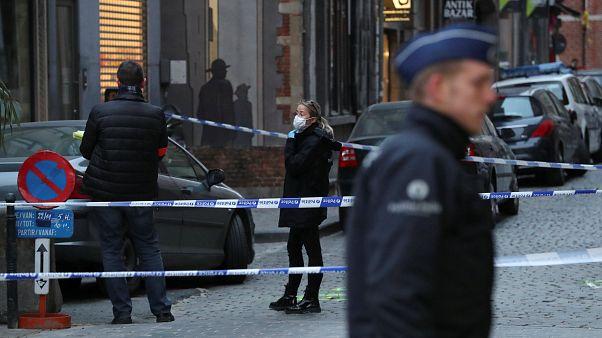 Brüksel'de polis memuruna bıçaklı saldırı