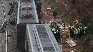 Zugunglück bei Barcelona: 1 Toter, 49 Verletzte