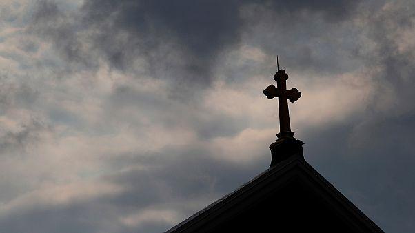 Papaz kilisenin paralarını çalarak kumarda kaybettiğini itiraf etti