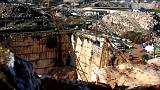Estrada colapsa em Évora e faz pelo menos dois mortos