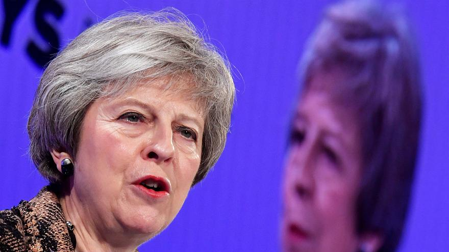 May to meet Juncker in Brussels on Wednesday for Brexit talks