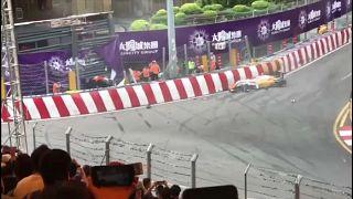 Megműtötték az autójával a pályáról kirepülő versenyzőt