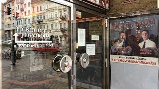 Sorra kiáltanak segítségért a független színházak
