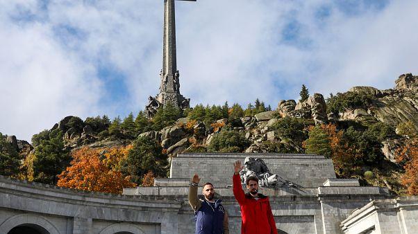 Ewiggestrige Fans erinnern am 43. Todestag an Diktator Franco