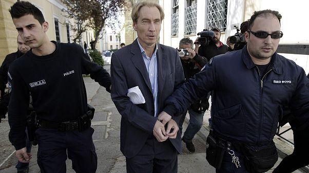 «Έσπασε» το βραχιολάκι ο υπόδικος τραπεζίτης Ζαν Κλοντ Όσβαλντ