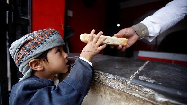 Több tízezer gyerek halt éhen Jemenben