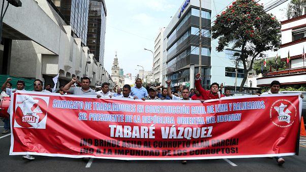 Sindicatos peruanos piden a Uruguay que entregue a Alan García para que sea juzgado por corrupción