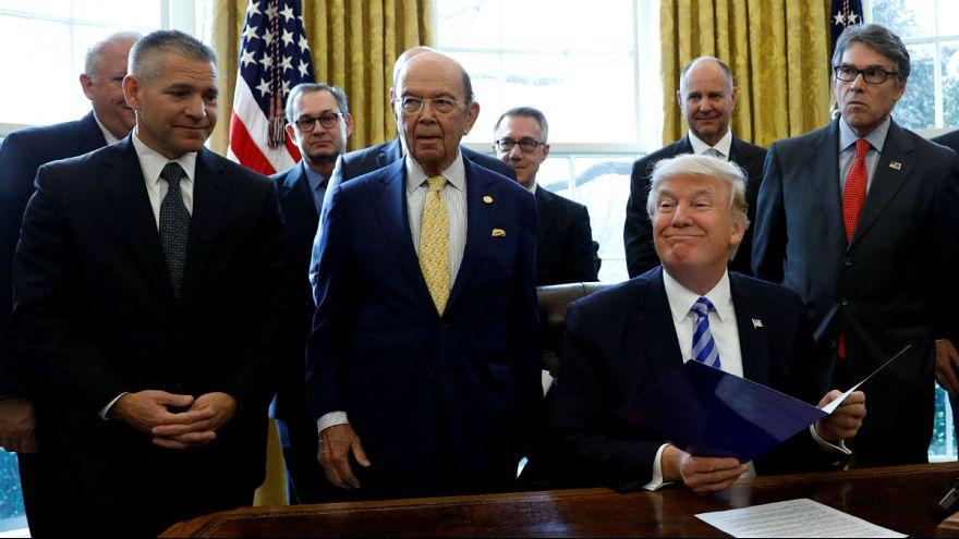 ترامپ از عربستان برای کاهش بهای نفت تشکر کرد