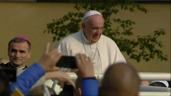 Tournée du pape dans les pays baltes sur fond de scandales sexuels