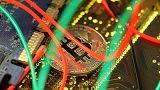 Bitcoin: la criptomoneda más grande del mundo se desploma