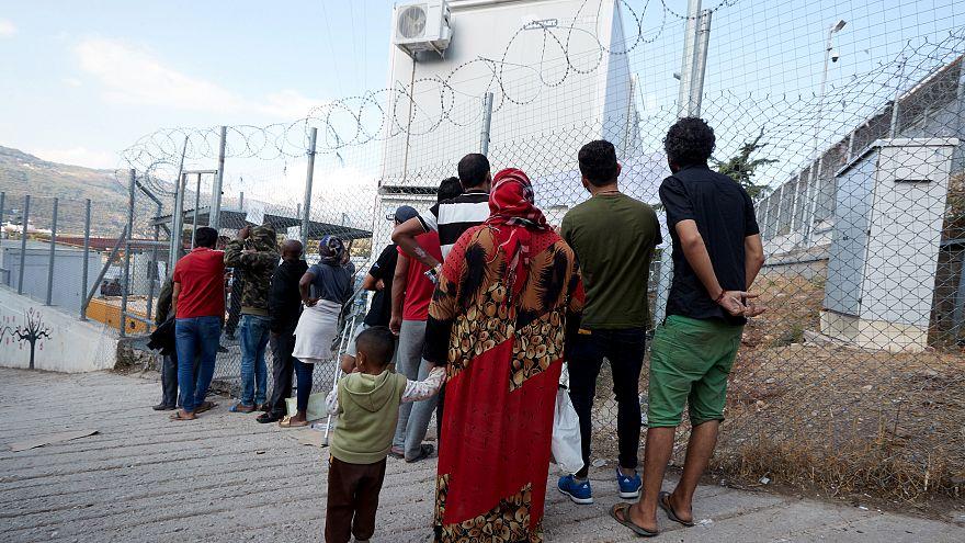 Lesbos: Regen setzt Flüchtlingslager unter Wasser