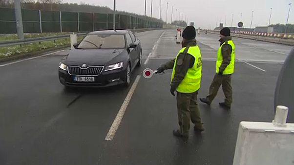 Határellenőrzést vezettek be Lengyelországban