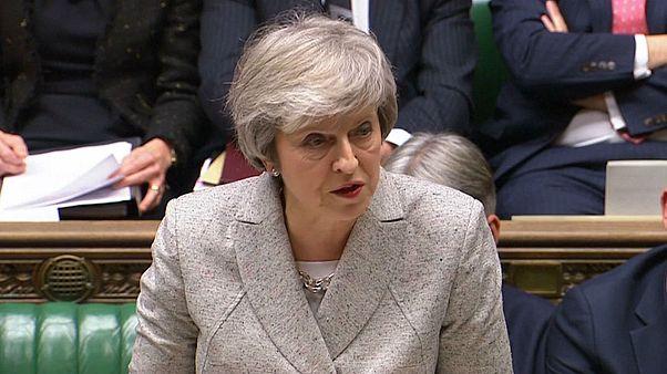 """Les négociations sur le Brexit sont """"à un moment crucial"""" estime Theresa May"""
