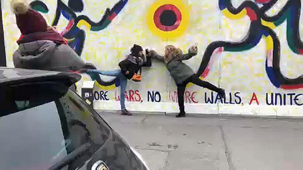 Luxuslakások építése veszélyeztette a berlini falat