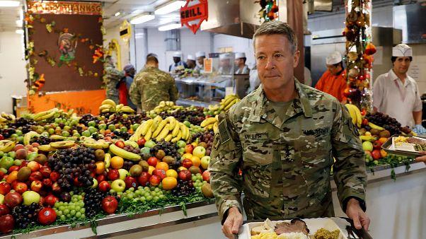 NATO askerleri Kabil'de Şükran Günü'nü kutladı
