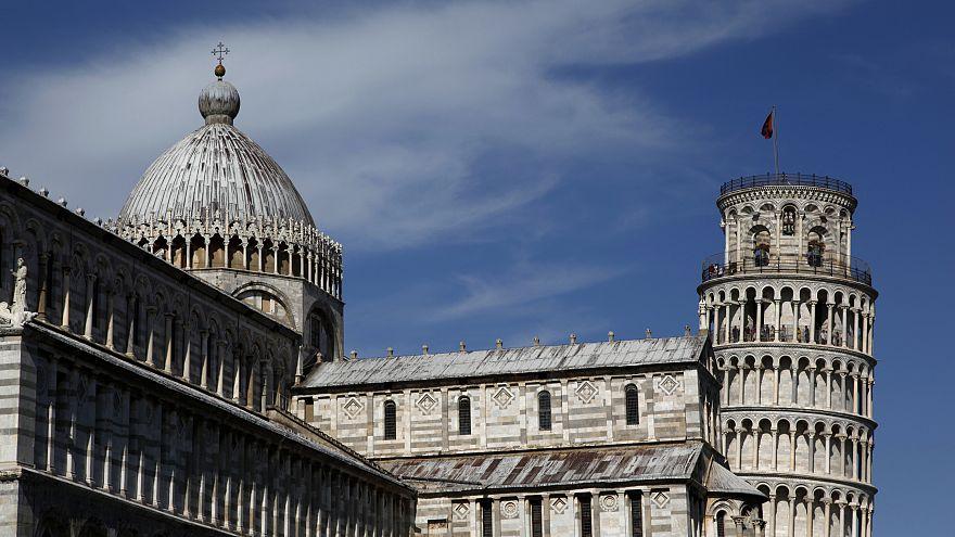 Torre de Pisa está a endireitar-se