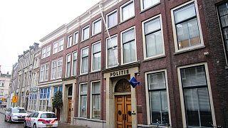 Hollanda polisi yolsuzlukla suçlanan Avrupa İslam Üniversitesi Rektörü Bahçekapılı'yı arıyor