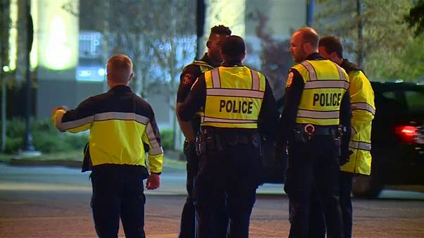 Un tiroteo en un centro comercial marca el inicio del Black Friday en EEUU
