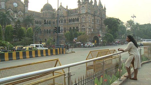 مع اقتراب ذكراها العاشرة.. هنود يروون تفاصيل جحيم هجمات مومباي