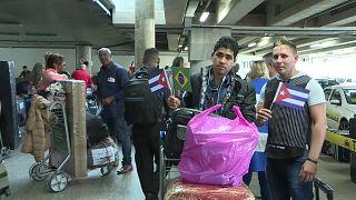 Más de 8000 médicos cubanos se van de Brasil