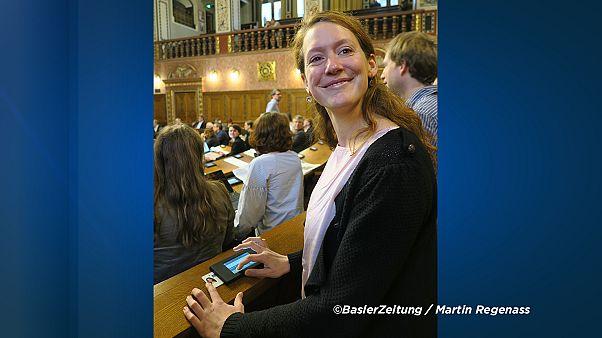 Tumult in Basel: Darf Politikerin mit 2 Monate altem Baby ins Parlament?
