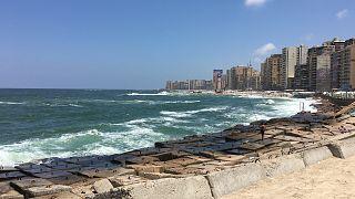 تجار مخدرات مصريون ينتحلون صفة أطباء معالجين.. لإدمان المخدرات